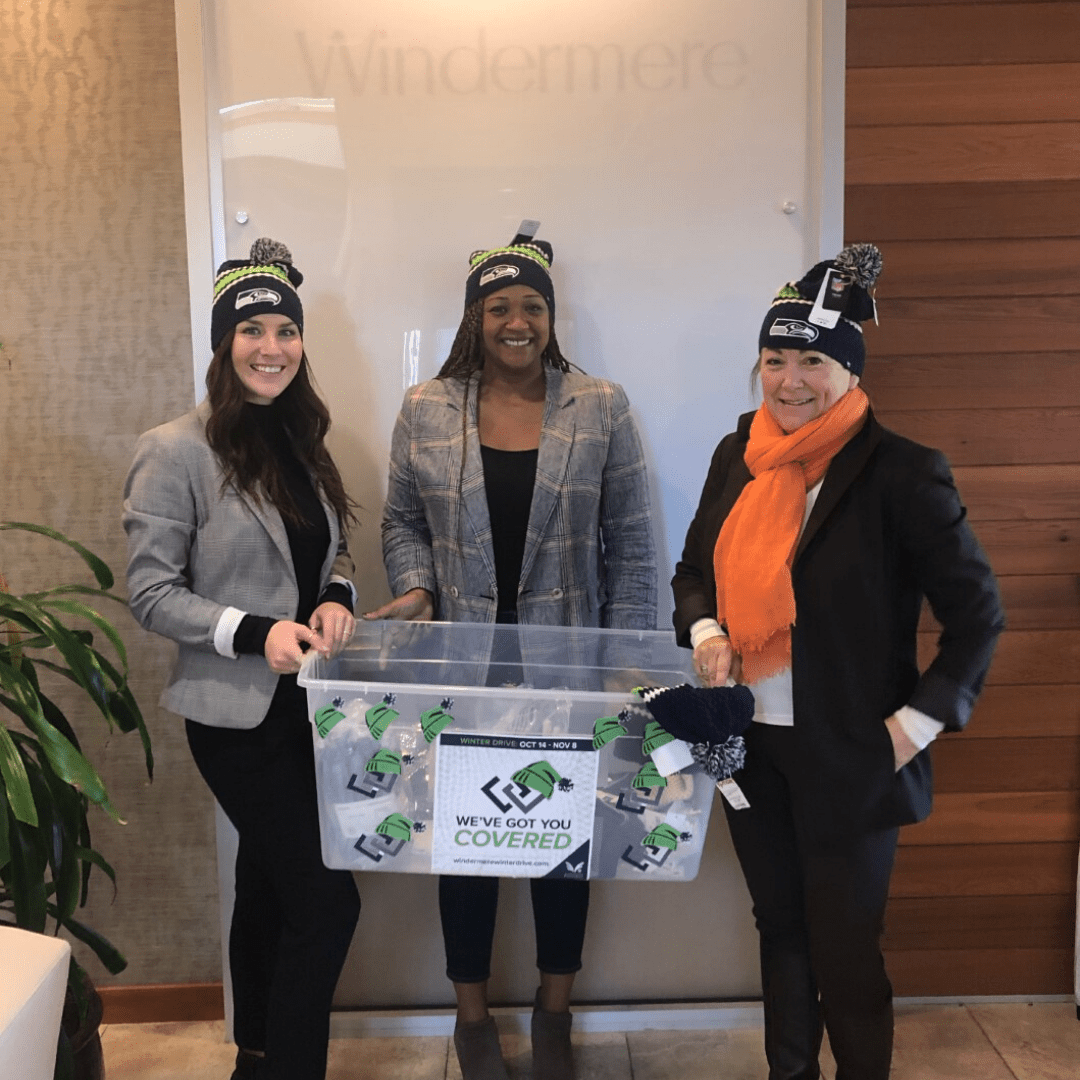 Windermere Midtown donated 3 coats, 2 sweaters, 2 pairs of snow pants, 2 warm shirts, 15 Hats, 18 gloves and 19 warm socks during this years drive.